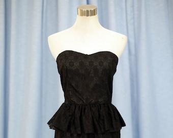 cacdcec4b9c35c Vintage 60s zwarte kanten mini jurk met franje rok