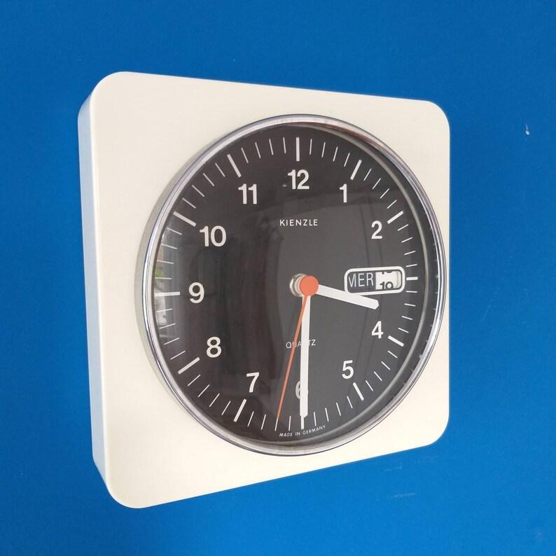 vintage KIENZLE Horloge murale, Horloge de l'âge de l'espace blanc, horloge de cuisine en plastique, horloge murale du milieu du siècle