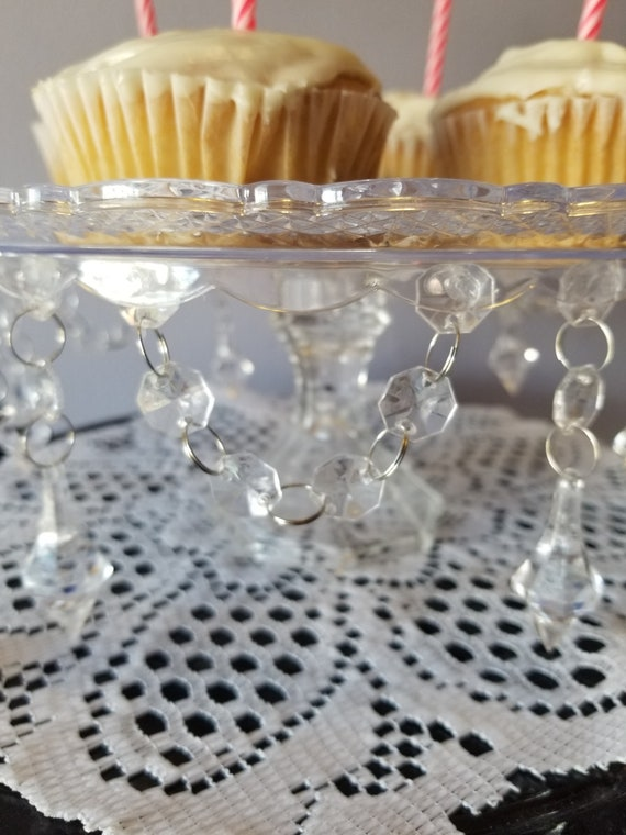Cake Please Clear And Crystal Garland Decorative Cake Stand