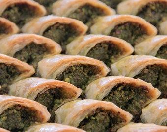 Tray of Şöbiyet Baklava with Pistachios