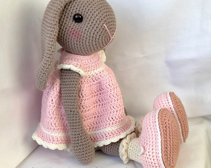 Sweet rabbit with Hangoren complete with pink crochet dress and shoes.