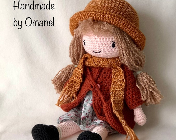 Pop Lisa complete with clothes - Handmade by Omanel