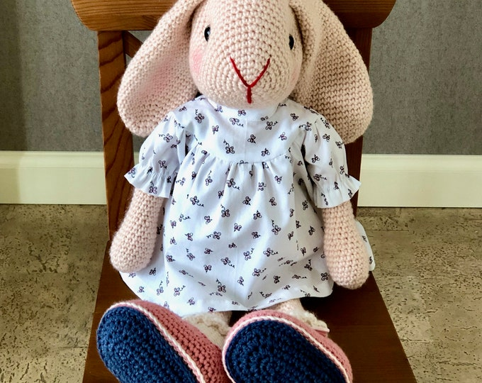 Sweet Rabbit with hanging ears and white/pink dress - Handmade by Omanel
