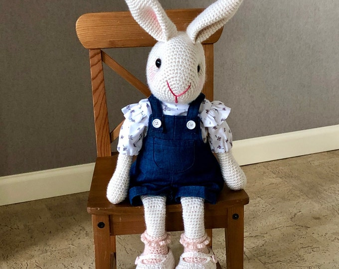 Sweet and tough girl rabbit - Handmade by Omanel