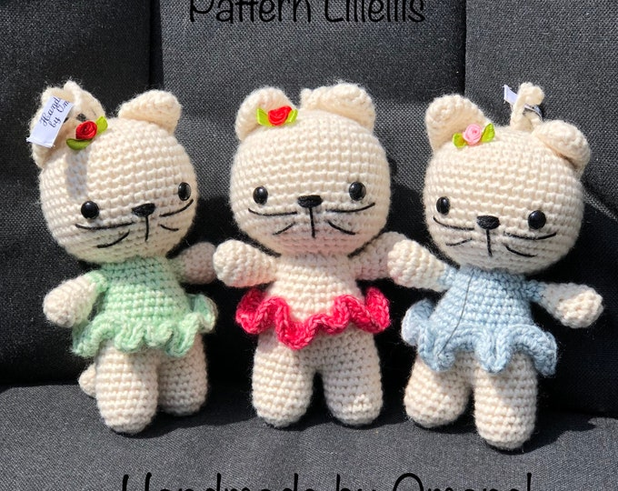 Little Kittens with pendant Handmade by Omanel