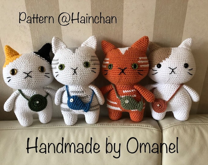 Cats with small bag handmade by Omanel