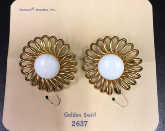 Vintage Emmons Jewelry Golden Swirl clip on earrings
