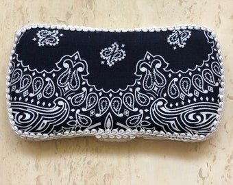 Travel Baby Wipe Case, Navy Paisley, Diaper Bag, Baby Wipes, Baby Layette, Baby Shower Gifts, Baby Wipe Holder, Wipes