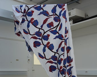 Textile print, Red and Blue Leaves - Växling
