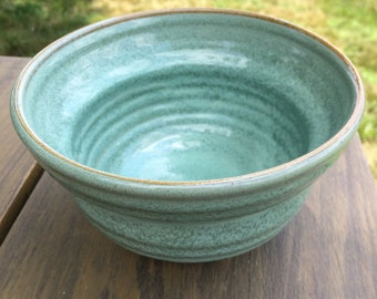 Handmade Pottery Bowl. Soup, cereal, oatmeal, serving. Green 24oz