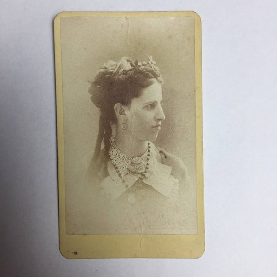1860s Cdv Carte De Visite Old Antique Photo Portrait Woman