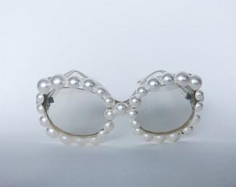 Gretchen big WHT pearls EJ