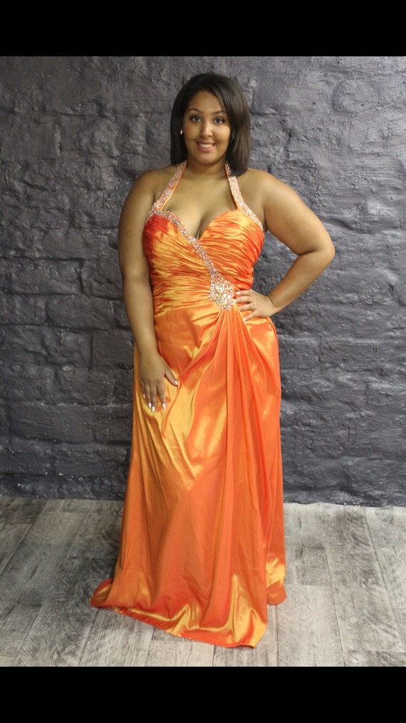 Bold and Beautiful Plus Size Red 0vWdAq0p