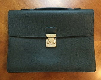 66b92746fecd Louis Vuitton Taiga Serviette Kourad Briefcase MINT