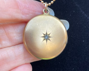 Victorian Starburst Locket with Adorable Photograph and Lovely Monogram