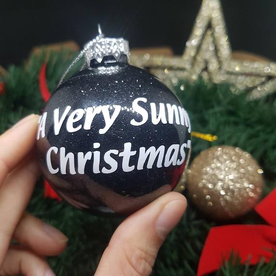 Its Always Sunny Christmas.It S Always Sunny In Philadelphia A Very Sunny Christmas Glass Christmas Bauble Black Glitter Ornament