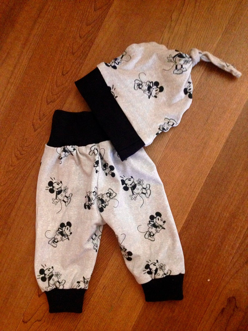 d1e8d9ad8e542 MICKEY MOUSE OUTFIT-Gender Neutral-Minnie Mouse-Baby Girl-Newborn Take Home  Outfit-Disney Baby Outfit-Baby Boy-Baby Pants-Hospital Outfit