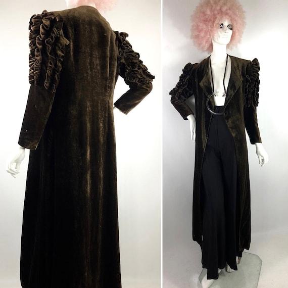 1930s Art Deco velvet wrap/open coat / Ruffled Mut