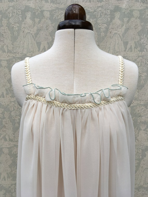 Feminine floaty 1970's Jean Varon dress with match