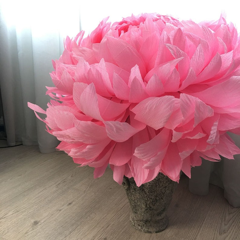 Chrysanthemum Giant Crepe Paper Flower
