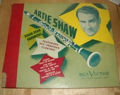 78 RPM Artie Shaw Four Star Favorites RCA Victor P 85 album with one phonograph record quot Seranade to a Savage quot quot Moonglow quot