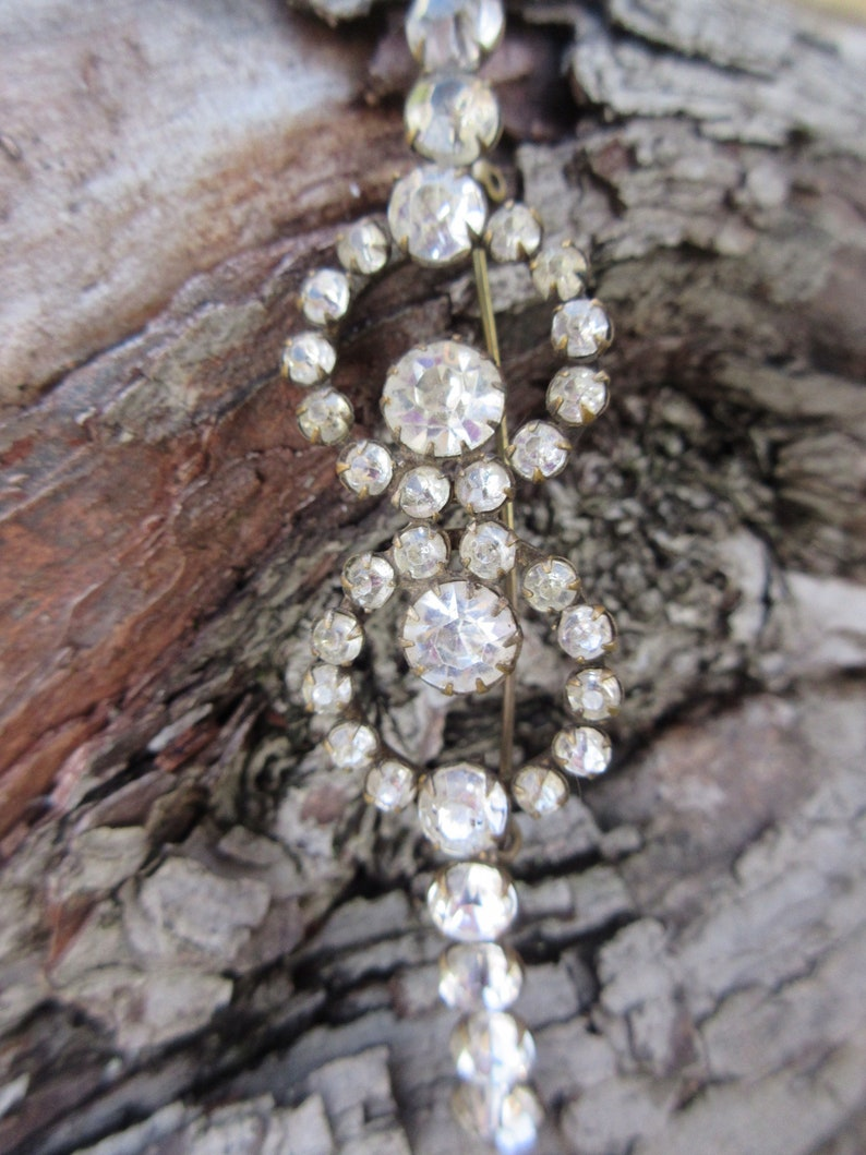Edwardian Antique paste brooch clear sparkling stones each with a claw setting Victorian
