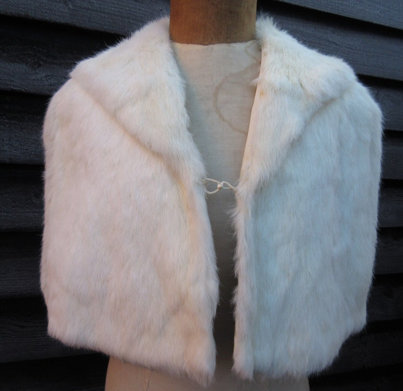 white fur stole paired - 794×770