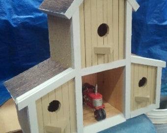 B3 Barn Birdhouse