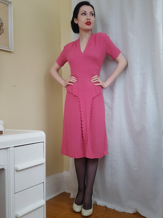 1930s 1940s pink crepe scalloped art deco dress