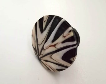 Shell Black Knobs