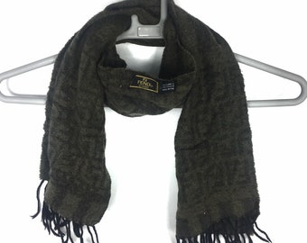 3d11a7073f76c Fendi monogram 100% wool scarf free adult size made in Italy