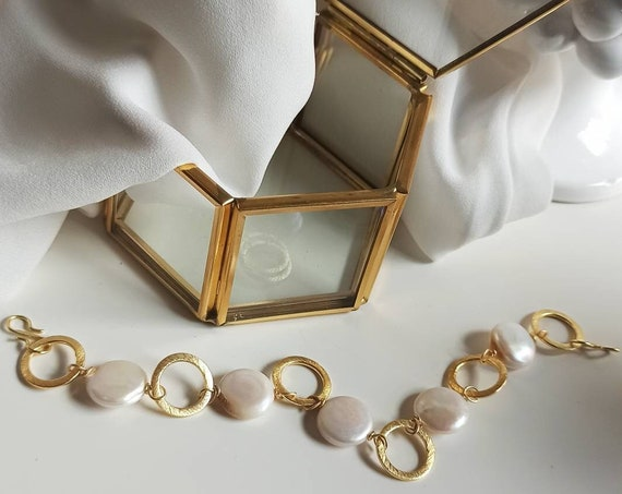 Chain and flat Pearl stones Bracelet