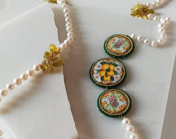Pearl necklace with Sicily Ceramic tiles