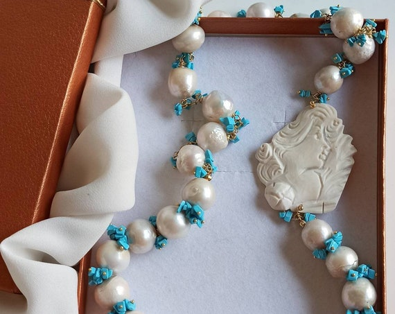 Statement necklace with Baroque Pearls and Shell Cameo