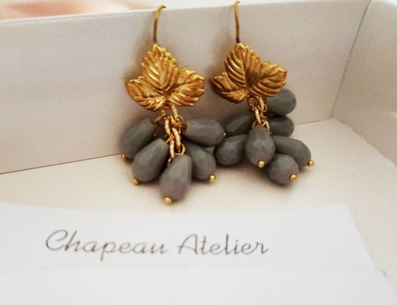 Grey Cristals cluster earrings