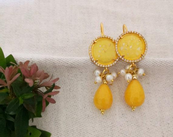 Baroque style yellow drop earrings