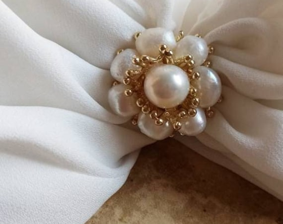 Floral Ring with Pearls
