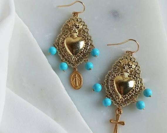 Sacred Heart earrings gold