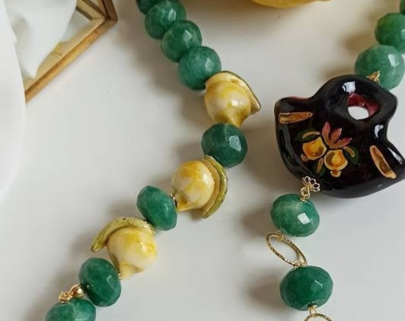 Sicilian necklace with Jade stones and Sicily Ceramic bag and lemons