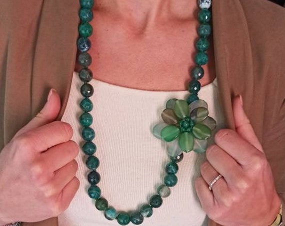 Green stone necklace with flower