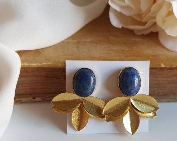 Half flower earrings with Lapis stones
