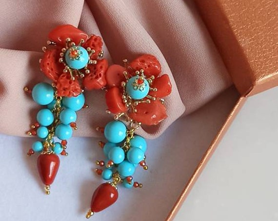 Falling Earrings with Turquoise stones and red Coral chips