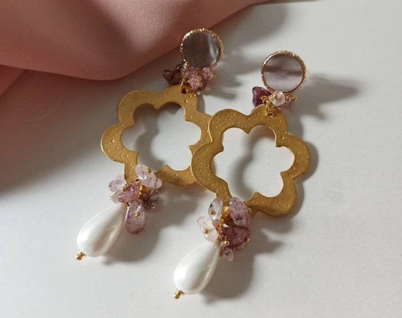 Floral Earrings with Mallorca Pearl drops