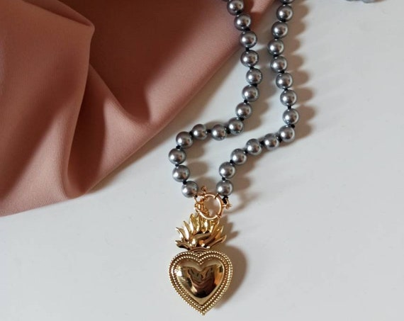 Mallorca Pearl Necklace with Sacred Heart Pendant