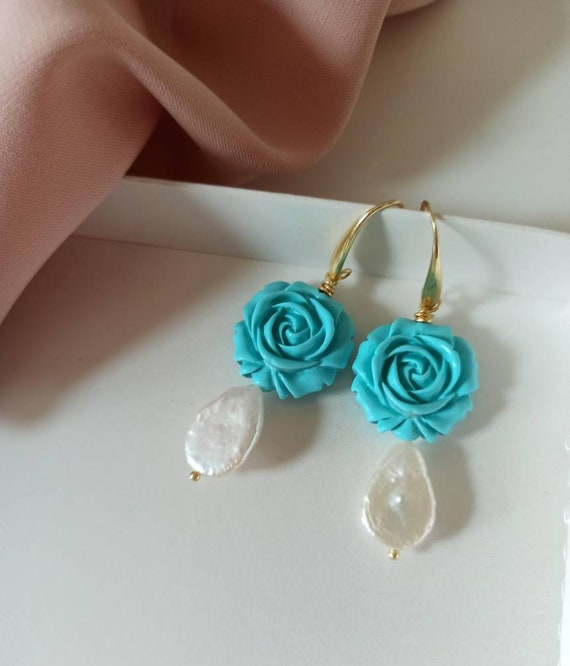 Pearl Drop earrings with Turquoise Roses