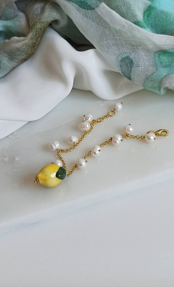 Gold chain bracelet with wihte Pearls and Sicily Ceramic Lemon