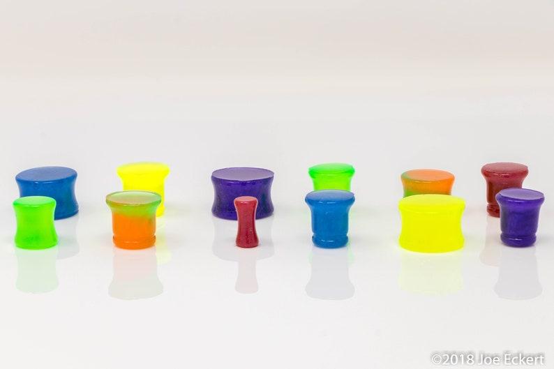 Grapeshot Purple Resin Ear Plugs Gauges Single Double or Centi-Flared 8g3mm 6g4mm 4g5mm 2g6mm 0g8mm 00g10mm 12 916 34 1