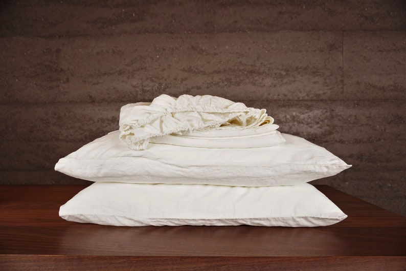 queen size. Off White Linen bed sheet set with pillowcases Flat sheet fitted sheet and 2 pillow cases Off white King size
