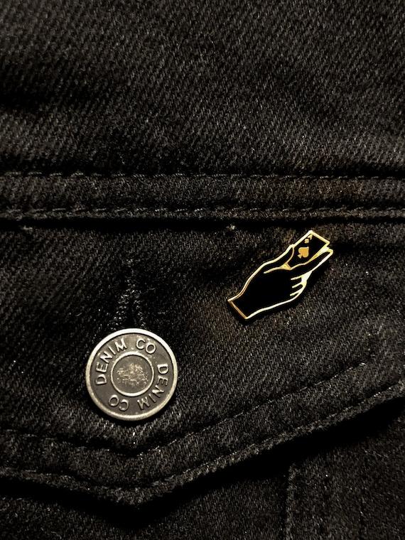 Ace Of Spades Playing Card Casino Metal Enamel Lapel Pin Badge Tie Pin