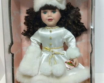 "AG Clothes Fits 18""Doll Victorian Red Xmas Dress /& White Cape with Fur/& Muff"